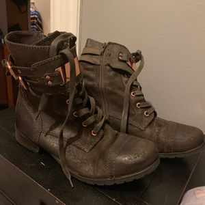 Size 9 Steve Madden combat boots